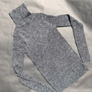 NWT Perfect Turtleneck sweater